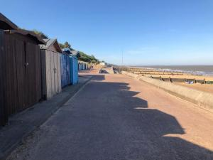 photo 5 of Beach hut 291 Low wall for hire Frinton-on-Sea